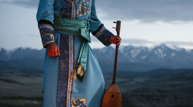 Mongolia Traditional Costumes